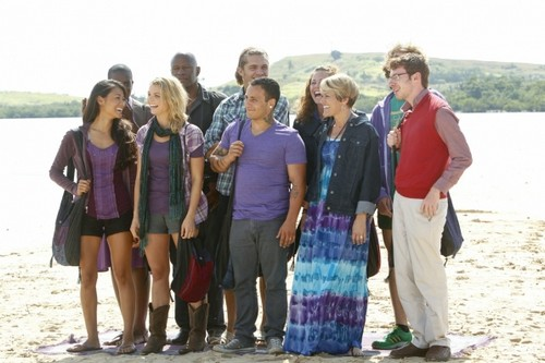 Survivor Caramoan RECAP 2/13/13: Season 26 Episode 1