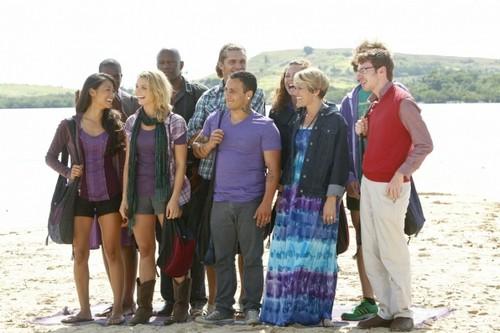 Survivor Caramoan RECAP 2/13/13: Season 26 Episode 1