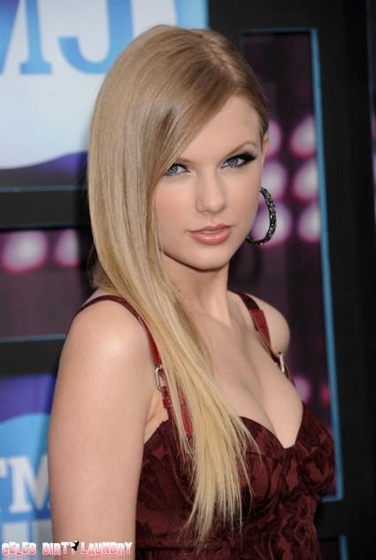 Taylor Swift Single After Being Dumped By Boyfriend