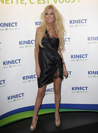 Tara Reid Continues To Look Like One 'Cold Mess'