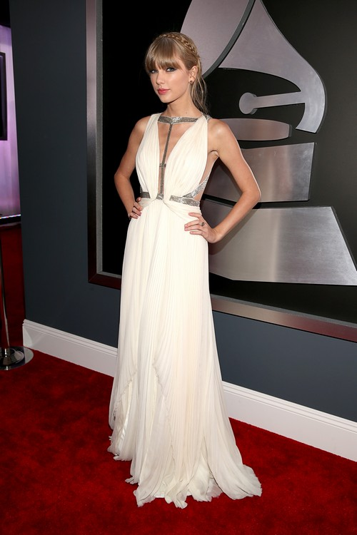 Taylor-swift-2013-Grammy-Awards-Red-Carpet-Arrival
