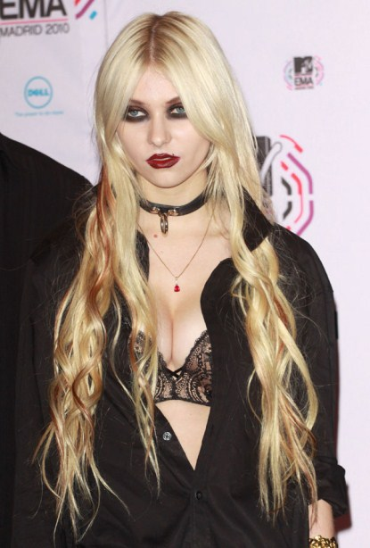 Taylor Momsen Won't Be Home For The Holdidays