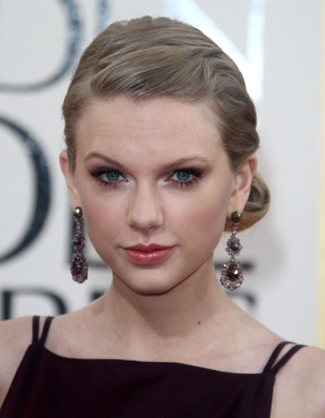 Taylor Swift: Golden Globes Worst Loser And Punchline, Not Her Best Night? 0114