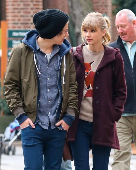 Taylor Swift Kisses Harry Styles At Jingle Ball! (Video) 1210