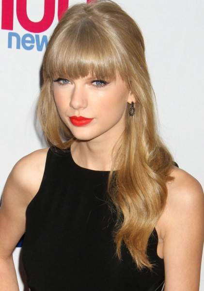 Harry Styles Buys Taylor Swift A Ring! Too Soon Or Too Cute? 1208