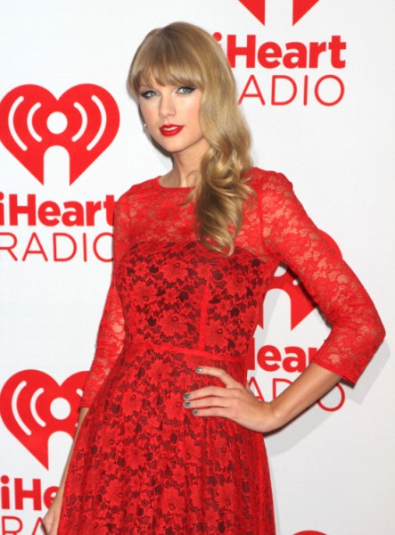 Taylor Swift Orders Conor Kennedy To Quit School And Get Her Pregnant! 0928