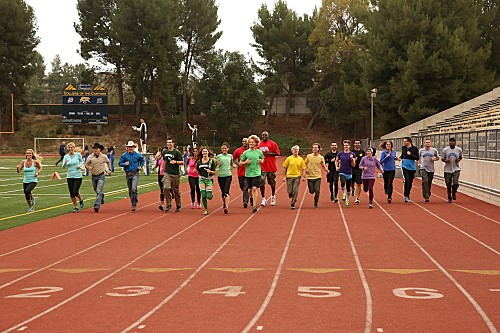 "The Amazing Race RECAP 2/23/14: Season 24 Premiere ""Back in the Saddle"""
