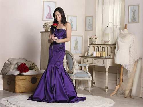 tonight on the bachelorette desiree hartsock continues with the first