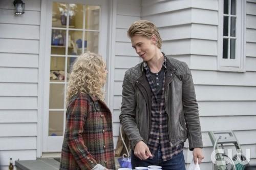 "The Carrie Diaries RECAP 1/3/14: Season 2 Episode 9 ""Under Pressure"""