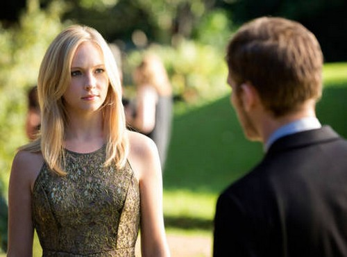 The-Vampire-Diaries-Season-4-Episode-21-klaus-caroline