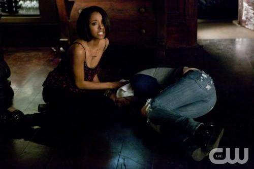"The Vampire Diaries Detailed RECAP: Season 5 Episode 19 ""Man on Fire"""