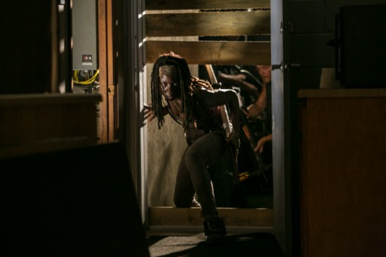 "The Walking Dead Season 3 Episode 8 ""Made To Suffer"" Recap 12/2/12"