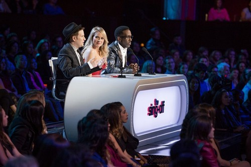 """The Sing-Off Recap 12/17/14: Season 5 Episode 1 Premiere """"Holiday Special"""""""