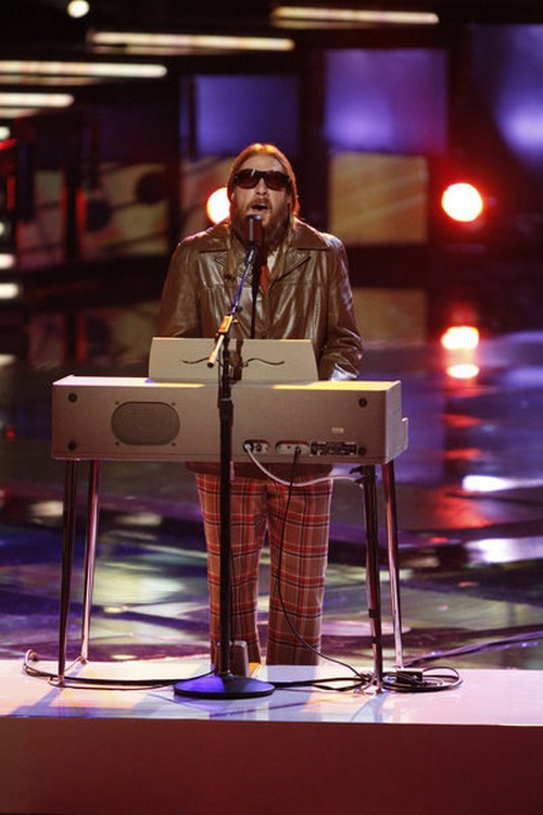 """Nicholas David The Voice Top 6 """"Someone Over The Rainbow"""" Video 12/3/12"""