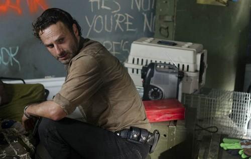 The Walking Dead Spoliers Season 4 Finale: Does Rick Grimes Die - Clues