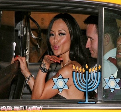 A Shiksa Goddess no longer: Tila Tequila Converts to Judaism
