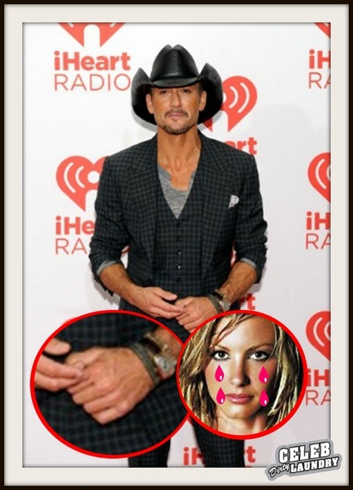 Faith Hill Devastated - Tim McGraw Ditches His Wedding Ring (PHOTO)