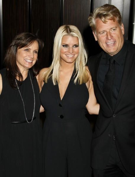 Jessica Simpson's Mom, Tina Simpson, Divorcing Joe Simpson Amid Gay Rumors! 1024