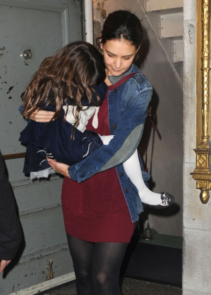 Report: Tom Cruise Forcing Katie Holmes And Suri Cruise To Spend Holidays With Him 1111