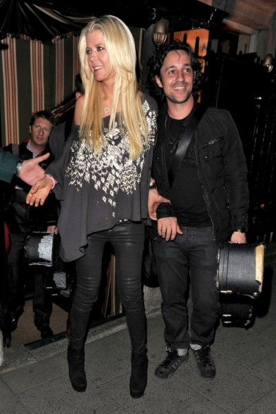 Tom Cruise Parties With Tara Reid In Downward Spiral (Photos) 0920