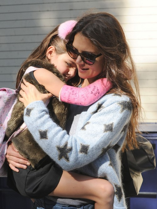 Suri Cruise Spending Thanksgiving With Katie Holmes, Tom Cruise Once Again AWOL