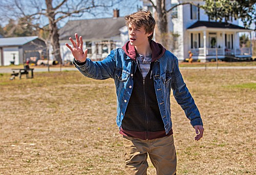 """Under the Dome RECAP Season 1 Premiere """"Pilot"""""""