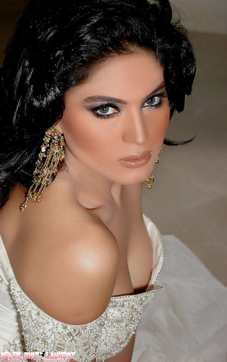 Veena Malik Poses Nude But Condemns Cricket Gambling