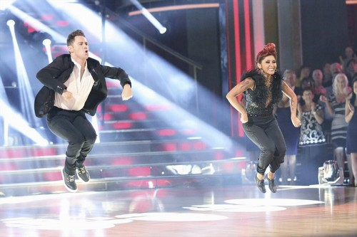 """Nicole """"Snooki"""" Polizzi Dancing With the Stars Foxtrot Video 10/21/13"""