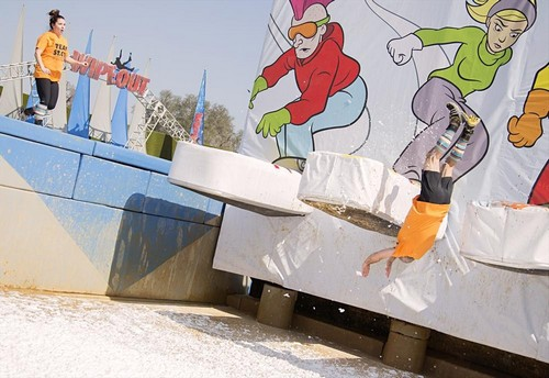"Wipeout RECAP 6/22/14: Season 7 Premiere ""Fall in the Family"""