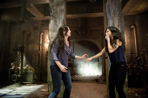 """Witches of East End Recap 7/27/14: Season 2 Episode 4 """"The Brothers Grimoire"""""""