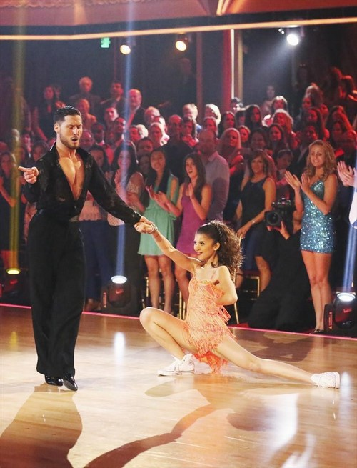 Zendaya Dancing With the Stars Salsa Trio Video 5/6/13