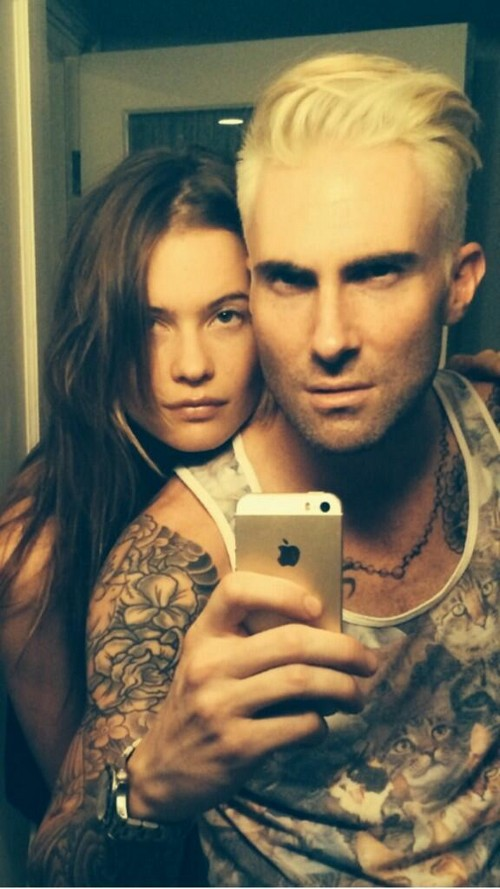 Adam Levine vs James Franco - Egomaniac Moron vs Creep - More D-Bag Selfies – Who's Worse?