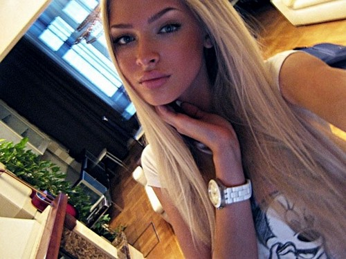 Blake Shelton Is Cheating With A Russian Bombshell Alena Shishkova