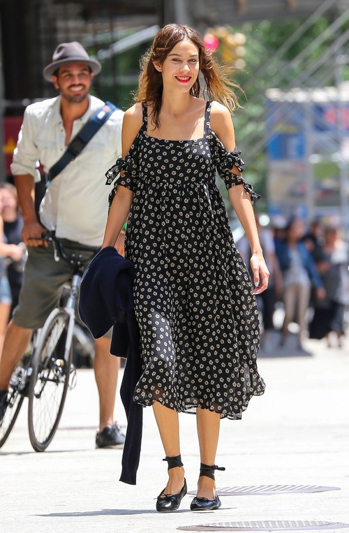 Gwyneth Paltrow and Chris Martin Divorce Gets Ugly - Alexa Chung Resents Jealous Gwyn (PHOTOS)
