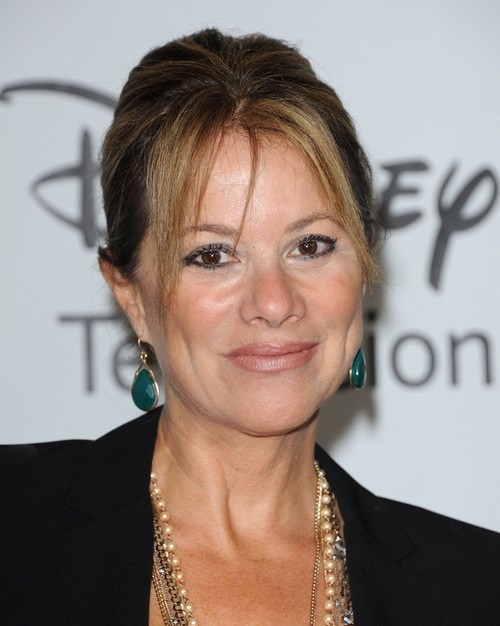 General Hospital's Older Divas Back Burnered in Favor of Younger Stars - Trouble On The Set