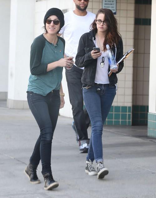 Kristen Stewart Dating Alicia Cargile - Is This Why Robert Pattinson's Staying Away?