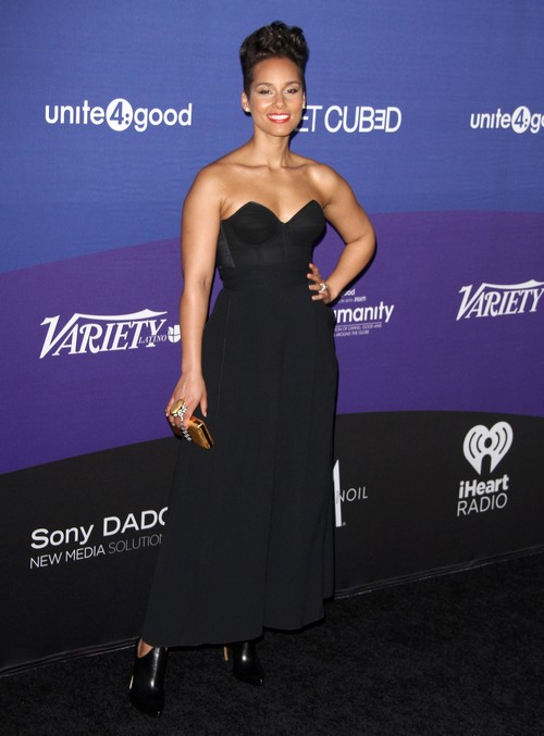 Alicia Keys Pregnant with Baby Bump - Swizz Beatz Expecting Second Child (PHOTOS)