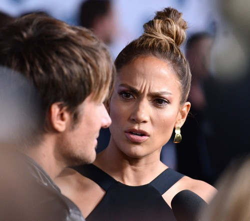 American Idol Losing Money and Viewers - Ratings Way Down