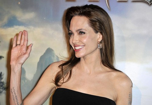 Angelina Jolie Hates Amal Alamuddin, George Clooney's Fiance? (PHOTOS)