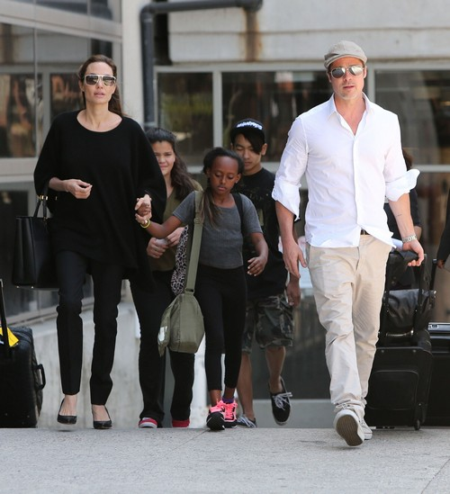 Angelina Jolie and Brad Pitt Both To Star In 'Cleopatra' With All Of Their Children - Report