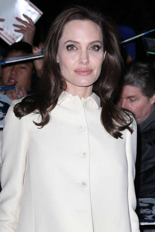 Angelina Jolie Cancer Preventative Surgeries In Vain: Still Smokes Cigarettes Every Day?