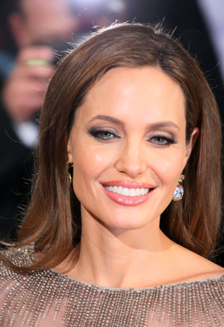 Angelina Jolie Angers China By Calling Director Ang Lee Taiwanese Instead Of Chinese!