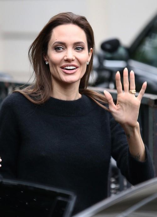 Angelina Jolie Not Hurt In Car Accident Crash After Unbroken Screening