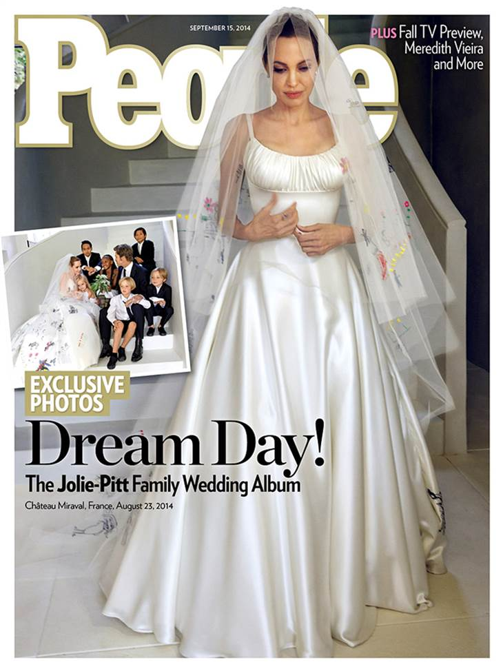 Angelina Jolie and Brad Pitt Wedding Photos - Dress Pics - First Look!