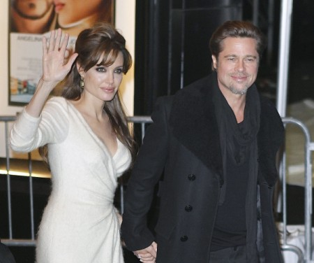 Report: Angelina Jolie And Brad Pitt To Marry This Weekend In France 0809