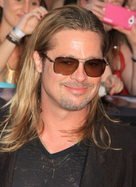 Brad Pitt's 20 Pound Weight Gain Explained - Stress Eating Or Fillers?  0628