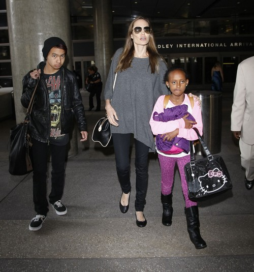 Angelina Jolie and Brad Pitt's Wedding Off The Table: Pitt's Family Attends Anti-Gay Church - Report