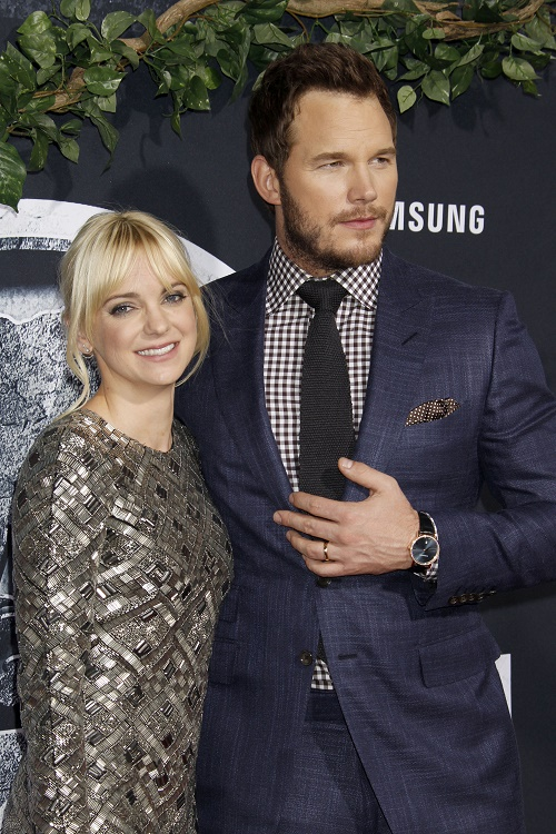 Will Jennifer Lawrence Seduce Chris Pratt On Set of 'Passengers' - Anna Faris Correct To Worry?