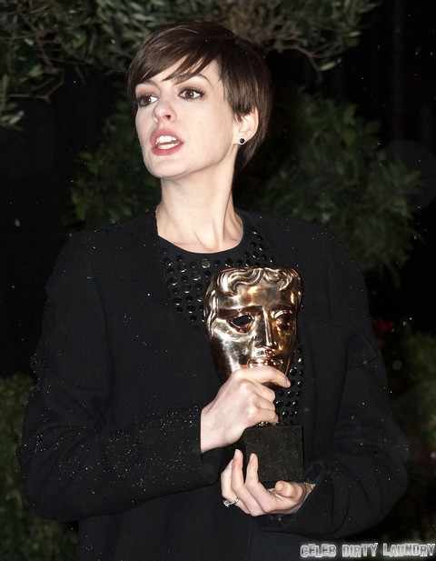 Anne Hathaway's Oscar Campaign For Les Miserables: Is She Really THAT Disgusting?