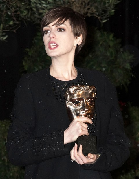 Anne Hathaway Smoking Weed Under Adam Schulman's Influence - Report